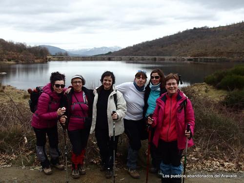 MARCHA-371-los-pueblos-abandonados-valle-de-aravalle-avila-senderismo (23)