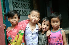 children (the foreign photographer - ) Tags: four children neighbors friends khlong thanon portraits bangkhen bangkok thailand canon kiss 400d