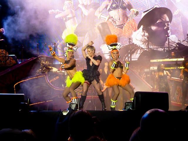 P!nk - Funhouse Summer Carnival Tour - Arènes, Nîmes (2010)