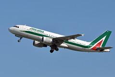 EI-EIA  FCO (airlines470) Tags: eieia a320 msn 4195 alitalia fco airport a320200 a320216