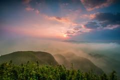 (DSC_9941) (nans0410(busy)) Tags: sky cloud mountain fog sunrise outdoors dawn scenery taiwan     reuifang newtaipei   wufengshan