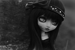 Pullip B&W (Mientsje) Tags: cute girl lens toy outside doll dolls flare customized pullip collectible custom obitsu