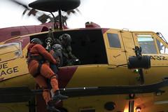 N/A (Rod Doucet) Tags: ca ontario canada trenton dayjour environmentenvironnement helicopterhlicoptre airforceforcearienne outdoorsextrieur equipmenttransport militarytermstermesmilitaire quipementtransport