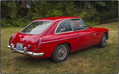 MGB GT (NoJuan) Tags: mg mgb mgbgt olympusep5 panasonic20mmf17 allbritishfieldmeet sportscar vintagesportscar