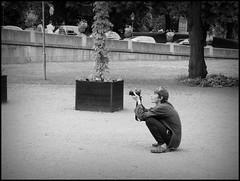 Stockholm (S) - 2016/06/29 (Geert Haelterman) Tags: geert haelterman streetphotography straatfotografie photographiederue photoderue fotografadecalle fotografiadistrada strassenfotografie candid streetshot monochrome black white blackandwhite zwart wit sweden zweden svenska stockholm olympus omdem10