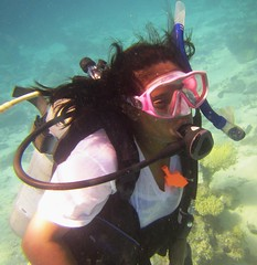 Profile of an 8th grader (DivePhoto) Tags: kh scuba diver daughter