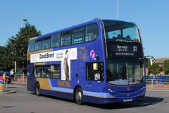 Alexander-Dennis Trident2 Enviro400 (DennisDartSLF) Tags: greatyarmouth bus alexanderdennis trident2 enviro400 enviro 33821 first easterncounties x1excel yx63lkl