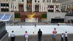 2016-10-19 - Rockefeller Center - Ice rink (zigwaffle) Tags: 2016 nyc newyorkcity manhattan timessquare rockefellercenter saintpatrickscathedral fifthavenue wretchedexcess centralpark