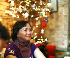 My Mother (Antnio Nguyen) Tags: christmas portrait people canon mark noel ii 5d 12 50l