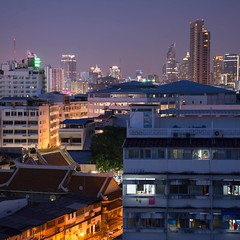 DSC_3649 (Ignacio Blanco) Tags: thailand night skyscrapers lights cityscape lighttrails riverviewguesthouse chaophrayariver buildings boats sunset dark bangkok chinatown vantage streetphotography