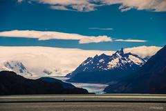 Sabe la verdad y est... serena (.KiLTRo.) Tags: torresdepaine regindemagallanesydelaan chile regindemagallanesydelaantrticachilena kiltro grey glacier mountain sky clouds outdoor andes patagonia landscape