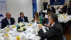 Congresistas en reunión con el alto comisionado para la paz