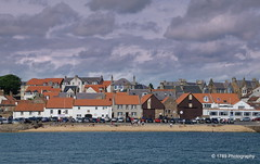 Anstruther Beach (Rollingstone1) Tags: anstruther fife scotland eastneuk beach playa plage holiday town coast outdoor sea seaside buildings houses clouds sky