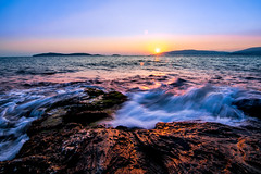 "Seaside Sunset (""louisheublein"") Tags: sunset greece sun rise set sunrise sonne sonnenaufgang sonnenuntergang meer sea wave welle blau night evening light licht blue bend stemming bulb exposure"