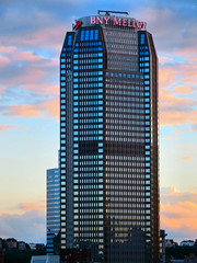BNY Mellon Center, Pittsburgh, Pennsylvania (duaneschermerhorn) Tags: pittsburgh pennsylvania unitedstates usa skyscraper building structure modern contemporary architecture architect modernarchitecture contemporaryarchitecture sunset clouds sky
