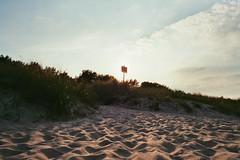 Beach at Trassenheide (William Veder) Tags: 35mm a1 analog canon film filmisalive filmisnotdead ishootfilm reise streetphotography urlaub williamveder williamvederfotograf fuji superia xtra 400