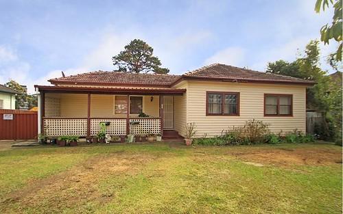 32 Dan St, Campbelltown NSW 2560