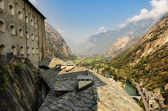 (Gi_shi) Tags: nikon iamnikon nikonitalia d7200 bard fortedibard aosta valledaosta valdaosta itay italia lanscape panorama montagna mountains montagne mountain forte