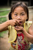 """Tous les enfants ne mangent pas à leur faim ! (Tom Piaï Photographie) Tags: portrait face fillette girl fille jeune young laos lao vang vieng travel traveler voyage voyageur explorer faim famine nourriture manque children child photo photographer ngc natgeo national geographic"