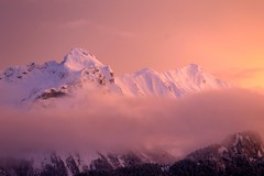 La Sambuy, petite Chaurionde, pointe de Chaurionde, en  Haute Savoie. (Thomas Szymczak) Tags: france alps topf25 rose montagne canon photography topf50 topf75 europe flickr 500v20f topf300 ciel neige savoie nuage topf150 topf100 showcase 74 soe topf250 topf200 hautesavoie autofocus topf350 rhnealpes beautifullife 1000v40f abigfave flickrelite canonfrance flickrestrellas platinumpeaceaward flickrunitedwinner pointedechaurionde flickrbronzetrophygroup lasambuy laquintaessenza galerienatures globalaward2014 ts