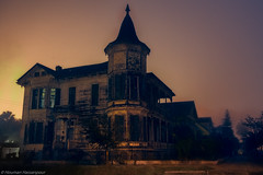 Haunted (houman_thebrave) Tags: street old house abandoned fog night canon scary haunted spooky