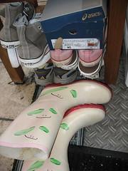 wellies_chucks_outdoor (yvonne_2.0) Tags: converse wellies chucks galoshes rubberboots gummistiefel gumboots rainboots