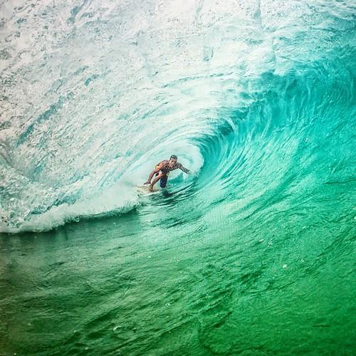 Surfing a paradiso  #fernandodenoronha #brazil #surf #barrel #instafame2 #instasurf #SurferPhotos