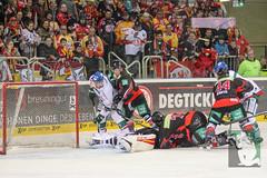 "DEL15 Düsseldorfer EG vs. Augsburg Panthers 28.12.2014 077.jpg • <a style=""font-size:0.8em;"" href=""http://www.flickr.com/photos/64442770@N03/16196210115/"" target=""_blank"">View on Flickr</a>"