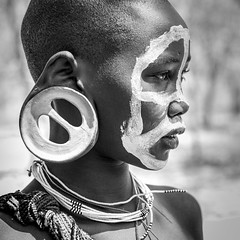 surma N&B. Ethiopia (courregesg) Tags: africa travel portrait people bw beauty painting traditional culture tribal nb omovalley ethiopia tribe ethnic paysage bodyart civilisation gens ethnology tribu omo eastafrica ethnie ethnographie southethiopia