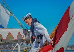 In charge of the Royal Flag (frankmh) Tags: denmark flags helsingr dannebrog royalflags royalyachts
