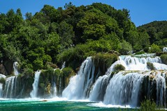 Skradinski Buk (Siuloon) Tags: park trees summer people blur green nature water season landscape waterfall outdoor hill croatia falls national cascade sunbathing buk sibenik krka dalmatia widok chorwacja wodospad nacionalni skradinski skradinskibuk nacionalniparkkrka szybenik