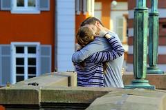 Make love, not war (ploh1) Tags: paar menschen leute personen liebe partnerschaft beziehung heidelberg zwei brcke