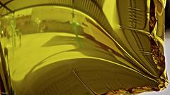 Patio de juegos (Blas Torillo) Tags: puebla mxico mexico globo ballon amarillo yellow reflejos reflections abstracto abstract fotografadeproducto productshot productphotography fotografaprofesional professionalphotography fotgrafosmexicanos mexicanphotographers nikon d5200 nikond5200 patiodejuegos playground
