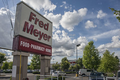 Portland_Fred_Meyer_1 (crainnational) Tags: food oregon portland or pharmacy grocerystore portlandor fredmeyer