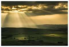 Tinto hill evening. (markrbowman) Tags: scotland tinto hill corpuscular rays calm peaceful visitscotland