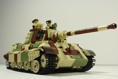 King Tiger (MJR415) Tags: king tiger world war two worldwarii wwii legowwii lego panzer germanarmor germantank tank tankcamouflage camouflage kingtiger axistank axis latewar