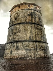 Tower at agauda fort. #agaudafort #iphone6s #iphone #shotoniphone #incredibleindia #india #history #goa #rain #clouds #incredibleindia (karan667) Tags: agaudafort iphone6s iphone shotoniphone incredibleindia india history goa rain clouds