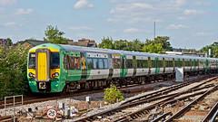 377618 (JOHN BRACE) Tags: 2012 bombardier derby built class 377 electrostar 377618 southern livery east croydon station