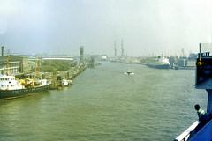 Slide 026-49 (Steve Guess) Tags: english ferry docks belgium belgique harbour belgi channel dover ostend belgien sealink