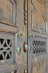 Rome Apartment 11/04/2015 (Judging_Jester) Tags: door wood handle nikon d90 nikon90