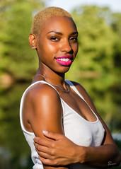 Bella (02_261A) (ronnie.savoie) Tags: africanamerican black noir negra woman mujer chica muchacha girl pretty guapa lovely hermosa browneyes ojosnegros brownskin pielcanela portrait retrato model modelo modle smile sonrisa audubonpark neworleans louisiana diaspora africandiaspora