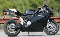 4-Ducati-749