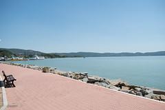 Panchina su lungolago (FabioNardozzi) Tags: umbria passignano trasimeno nikon d5500 1855mm lago neflightroomcopiasd