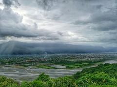 After rained(still little raining) (Alfred Life) Tags: summarith12227 summarit leicaduallenses plus huaweip9plus p9    asph leica huawei