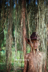DSC_0900-2 (Nasey) Tags: boy portrait people hat rural nikon bokeh portraiture nikkor kampung 50mmf18d terengganu kualaterengganu nasey nasirali manir