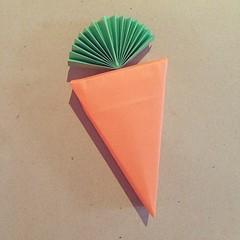 Carrot box? 🐰🍕💕🎀 #origami #paper #carrot #origamibox #rabbit #easter #carrotbox #craft #papercraft #paperfolding #foldoftheday #vegetable #cute #giftbox #kawaii #paperkawaii #todo (paperkawaii) Tags: instagram ifttt