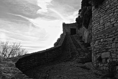 . (Glaneuse) Tags: old stone wall backlight stairs blackwhite village fort fortress