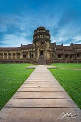 Angkor Wat (Sotitia Om Photography) Tags: canon landscape asian temple ancient asia cambodia southeastasia khmer angkorwat siemreap kampuchea kingdomofcambodia angkorwattemple canonusa canonasia kingdomofwonder sotitiaomphotography cambodianphotographers