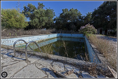 _MG_4161 E (kevinslyfield) Tags: urbexing abandoned corfu hotel buildings