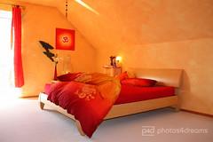my summer sleepin' feelin' (photos4dreams) Tags: orange bed bett bedroom blanket om holz tapete cosy schlafzimmer dachschrge wischtechnik heimelig bettbezug photos4dreams photos4dreamz p4d summersleepingfeelingp4d